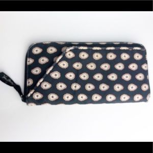 Vera Bradley Large Fabric Wallet Organizer